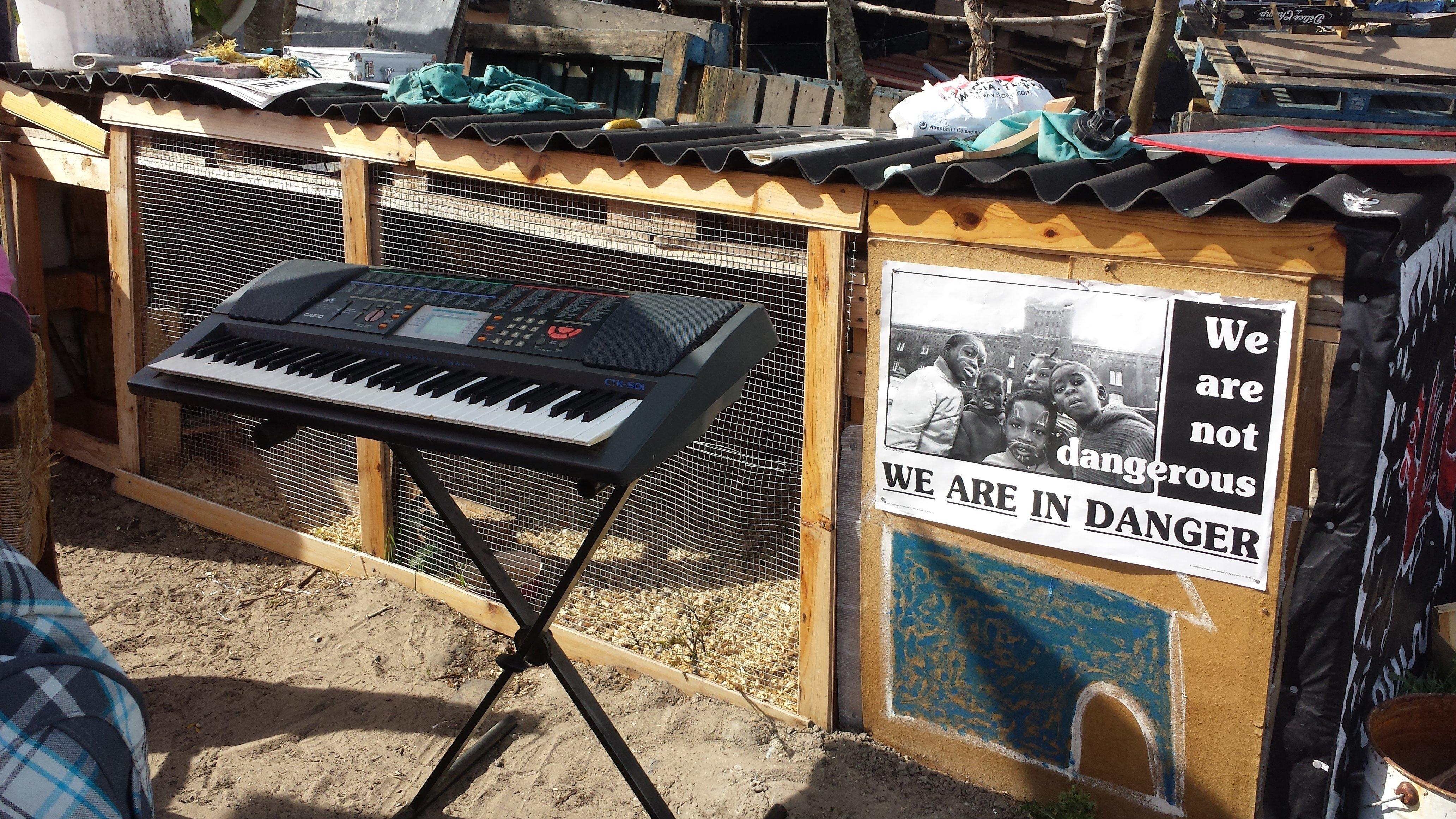 Un synthé dans un camp de réfugiés