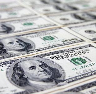 Des billets de dollar