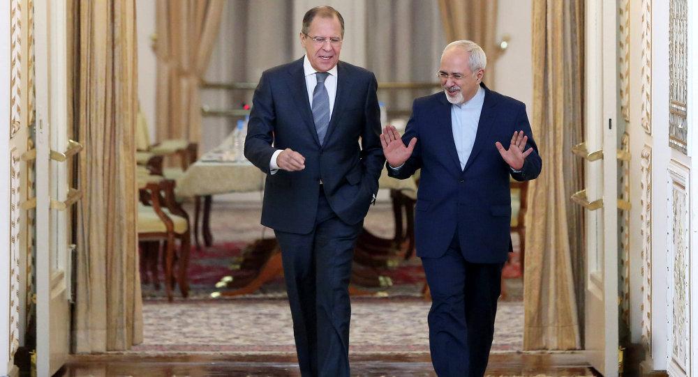 Sergueï Lavrov et Mohammad Javad Zarif