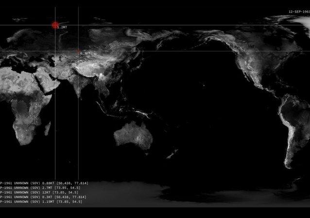 Une carte animée des explosions nucléaires