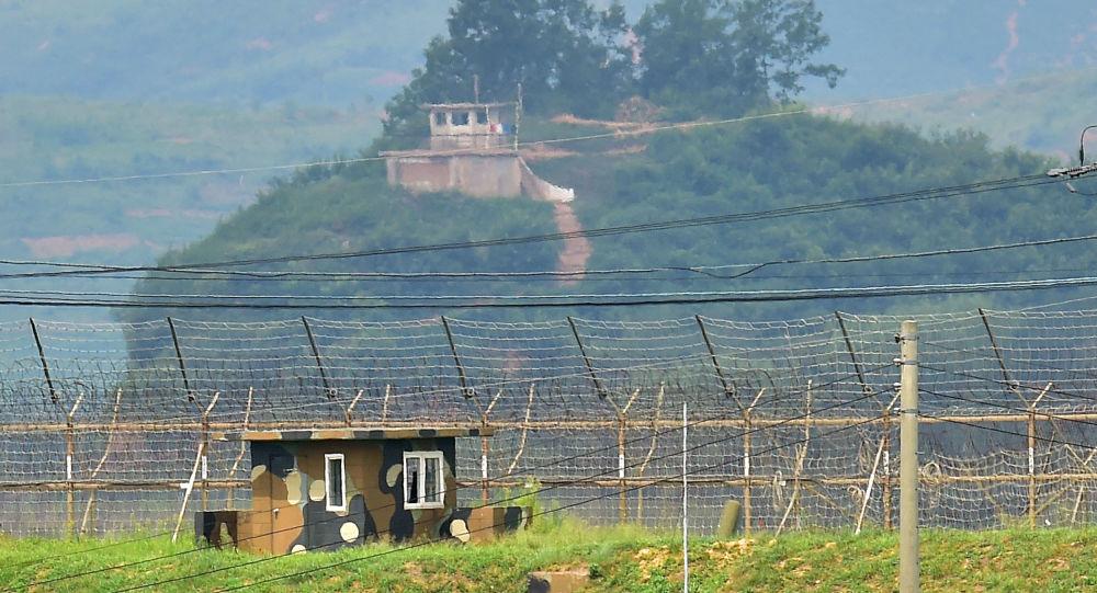Военные посты Южной Кореи и Северной Кореи