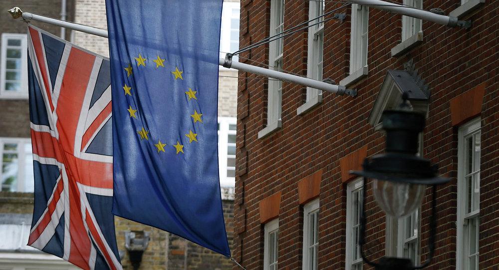Drapeaux britannique et  européen à Londres