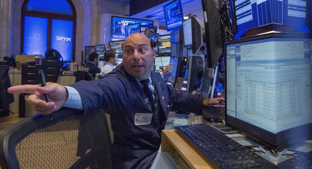 Lundi noir sur les marchés financiers: le pire reste à venir