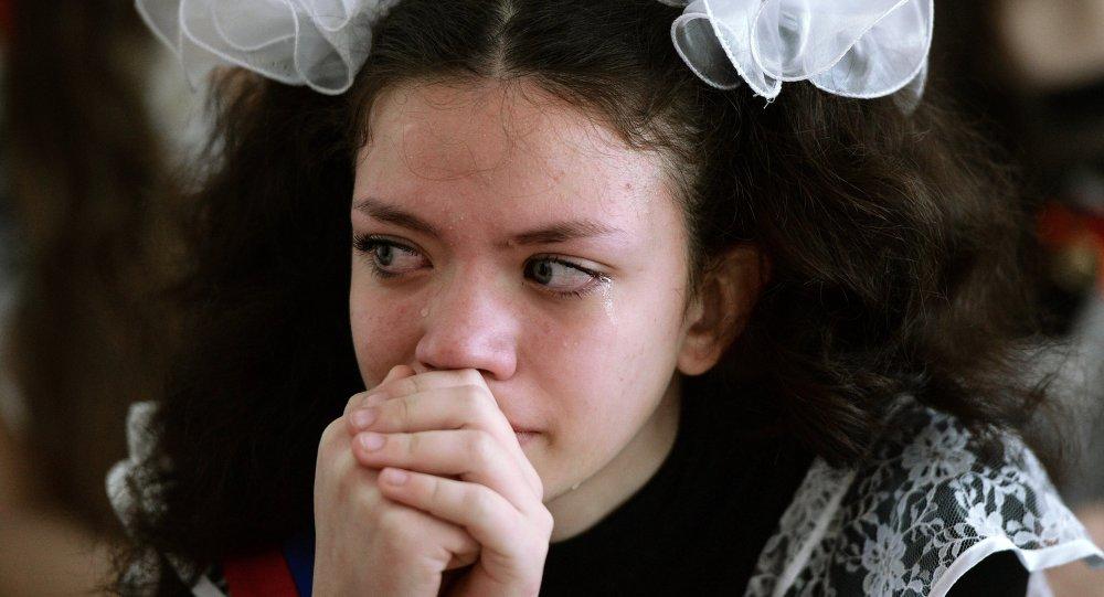 Fille Qui Pleure sortez les mouchoirs: pleurer serait bon pour le moral - sputnik france