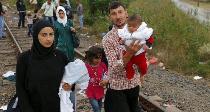 Des réfugiés syriens atteignent la Hongrie