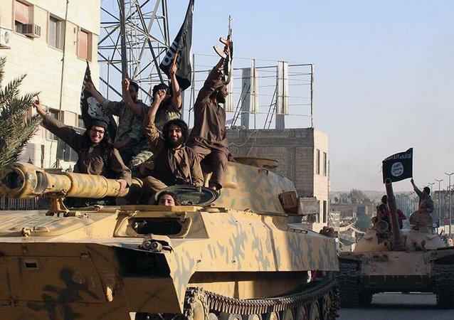Ex-chef de la CIA: employer Al-Qaïda pour combattre l'EI