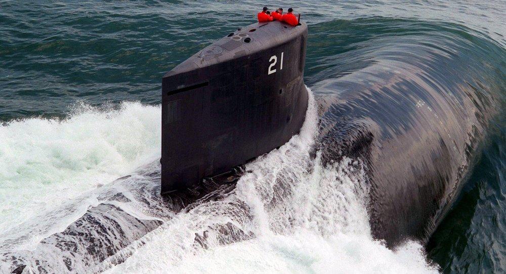 Arctique les sous marins us face aux men es russes et for Interieur sous marin
