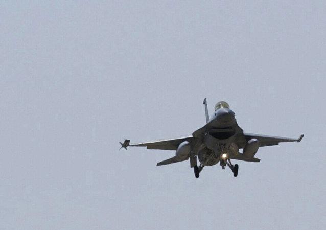 Avion de combat F-16