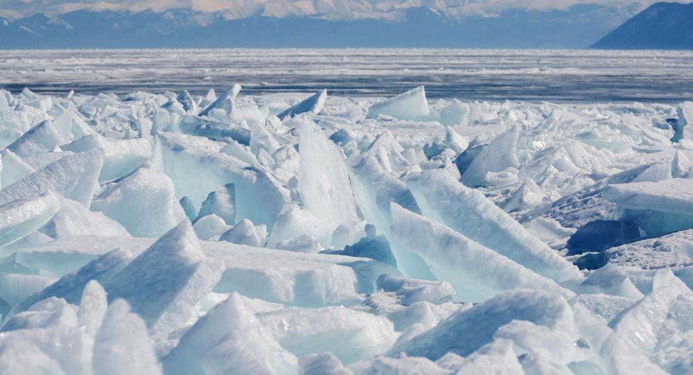 Le lac Baïkal situé dans le sud de la Sibérie
