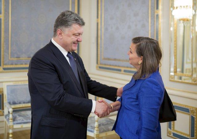 Victoria Nuland et Piotr Porochenko