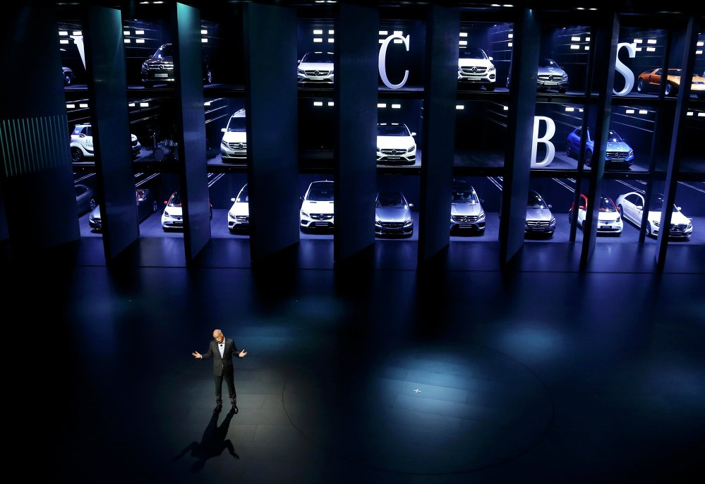 Le président de Daimler Dieter Zetsche à l'ouverture du salon