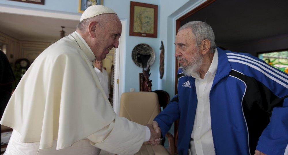 Le pape François reçu par Fidel Castro, Cuba, Sept. 20, 2015.