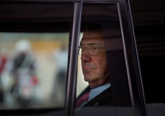 Le secrétaire américain à la Défense Ashton Carter