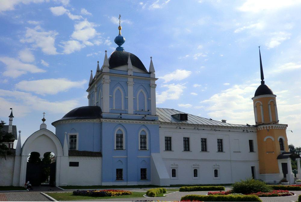 Le couvent de la Trinité Novo-Goloutvine