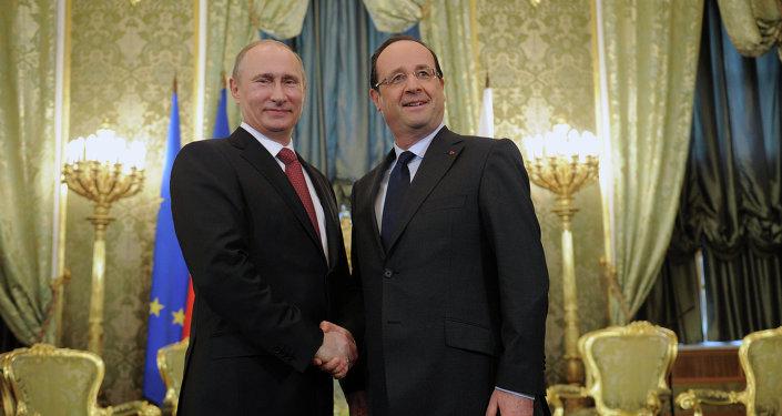 Une rencontre de Vladimir Poutine et François Hollande au Kremlin