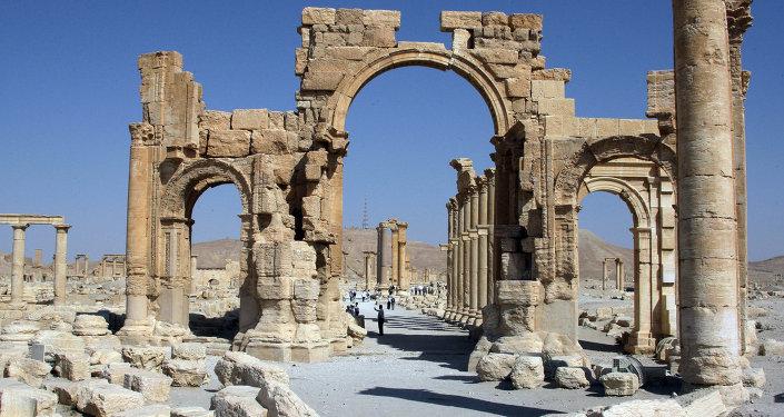 l'Arc de triomphe de Palmyre