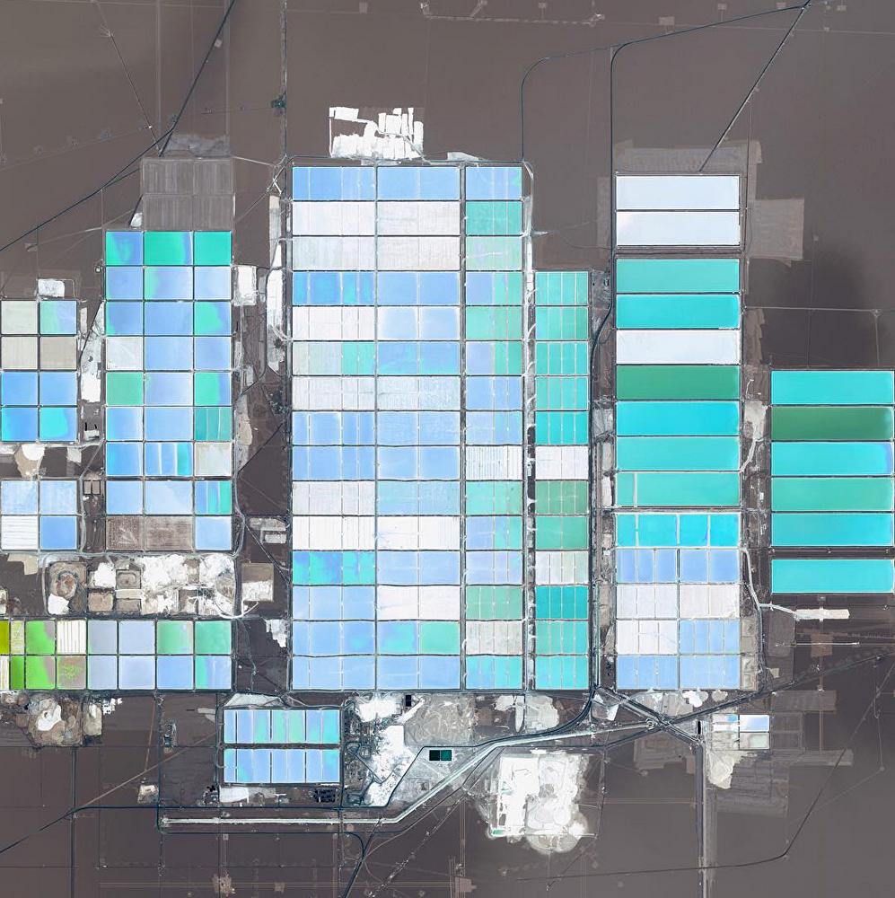 Des réservoirs pour obtenir du lithium à partir de sel situés dans le désert d'Atacama, Chili