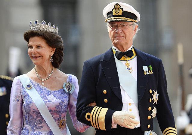 le roi de Suède Charles XVI Gustave et la reine de Suède Silvia