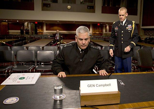 le général John Campbell