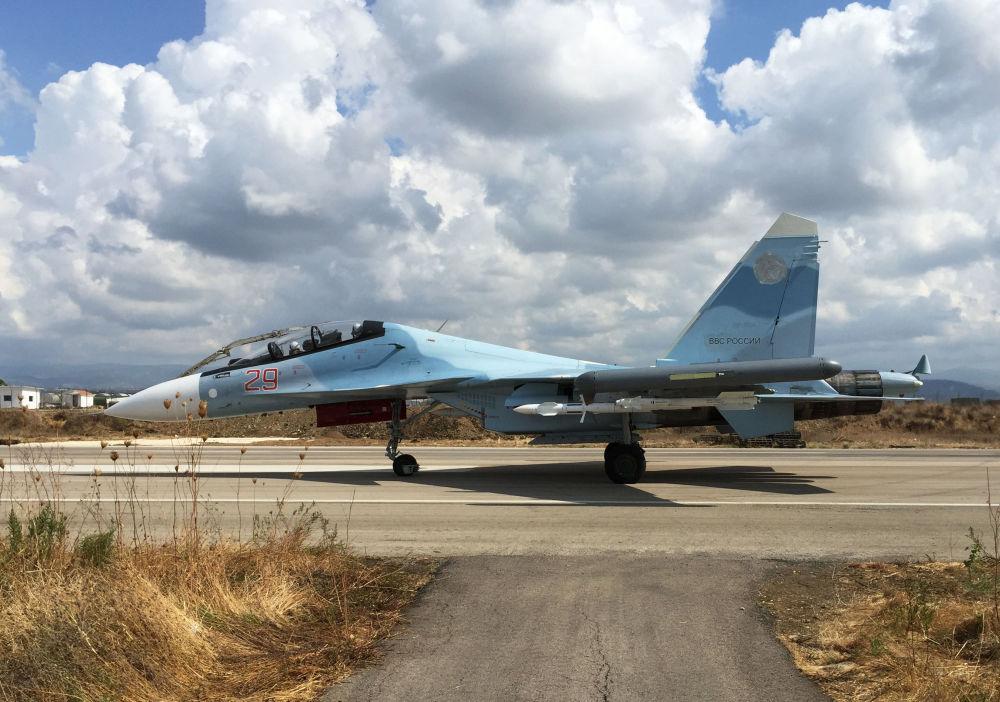 Les avions russes frappent les djihadistes de l'EI