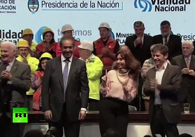 La présidente argentine se lâche sur scène
