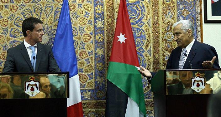 La conférence de presse conjointe de Manuel Valls avec son homologue jordanien Abdallah Ensour, Oct. 11, 2015