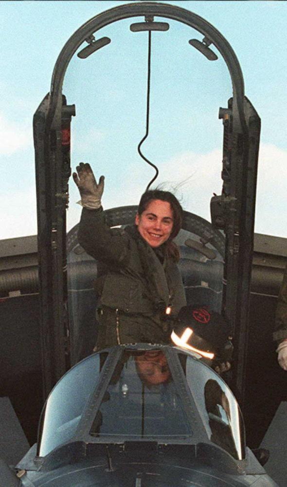 Fleurs du ciel: ces femmes pilotes de chasse