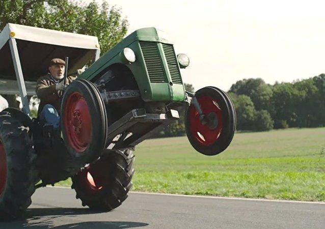 Un tracteur plus rapide que le son