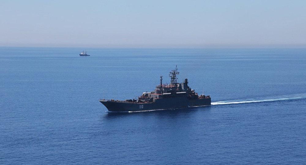 Bâtiment russe en mer Méditerranée. Image d'illustration