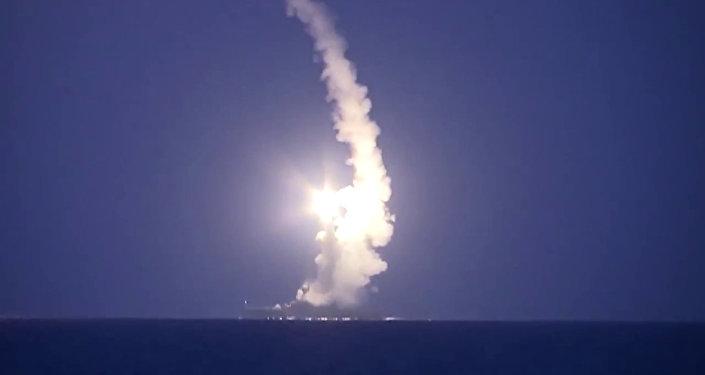 Tir d'un misssile de croisière russe Kalibr