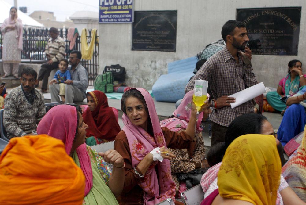 Les conséquences du séisme en Afghanistan, en Inde et au Pakistan