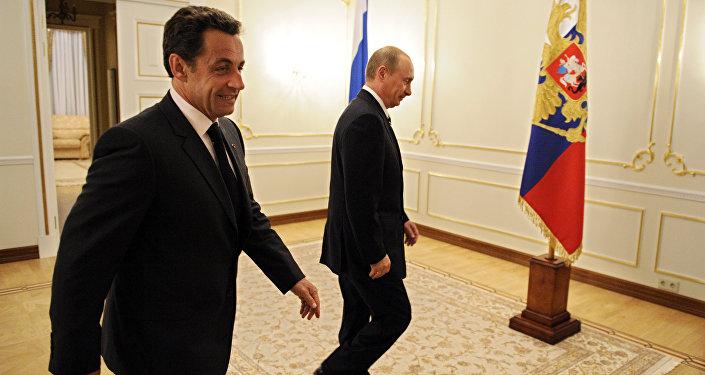 Vladimir Poutine et Nicolas Sarkozy