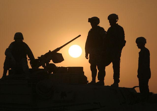 Des soldats militaires en Irak