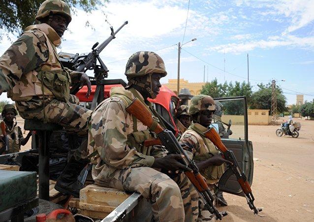 Des racistes estoniens s'en prennent aux soldats noirs de l'Otan