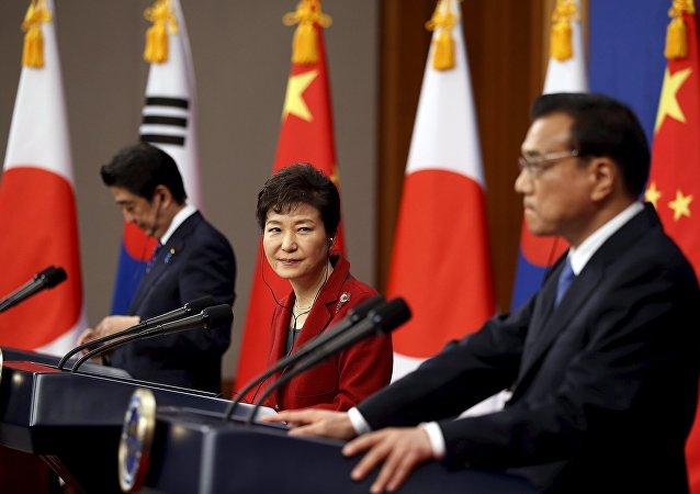 Chine, Corée du Sud et Japon ont repris contact hier à Séoul