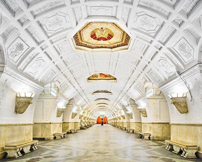 la station de métro Belorusskaya