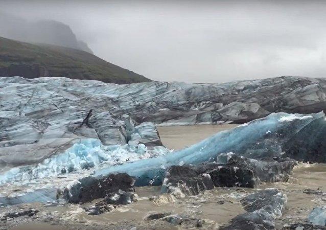 La naissance d'un iceberg