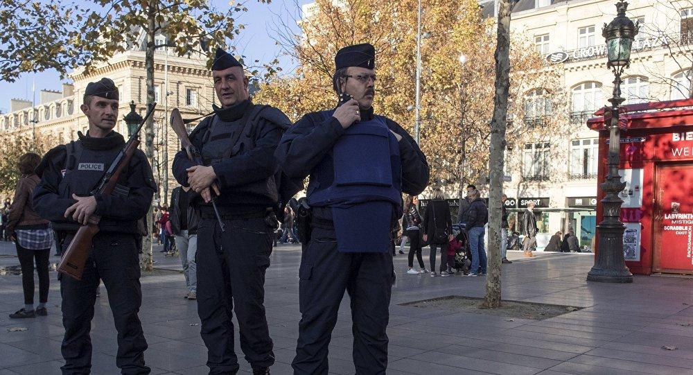 Des policiers français, Paris