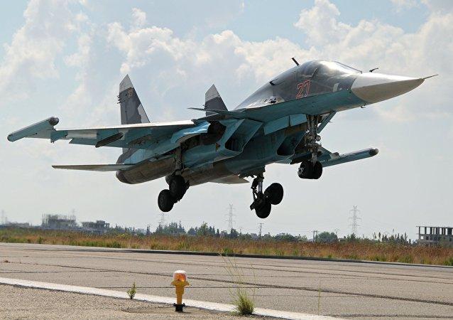 Un Su-34 russe à Lattaquié