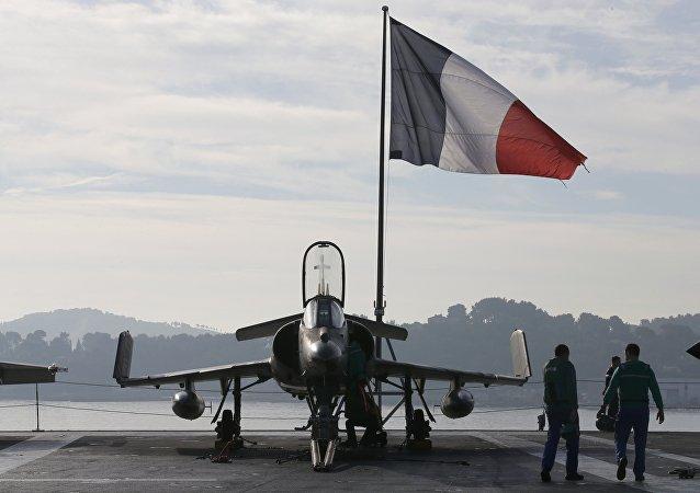 En 2 jours, l'aviation française a détruit 35 cibles terroristes en Syrie