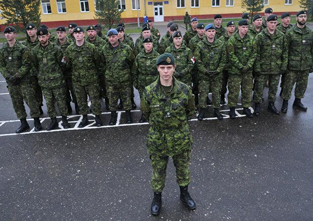 Des instructeurs de l'Otan commencent à entraîner des militaires ukrainiens