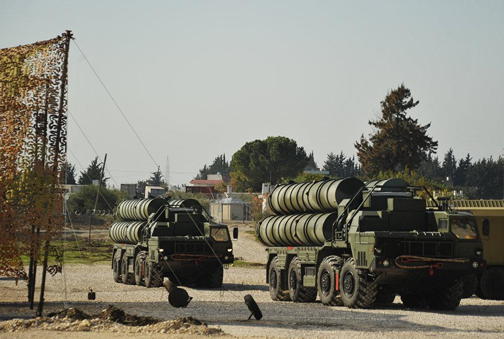 Les systèmes antiaériens russes S-400 Triumph en Syrie