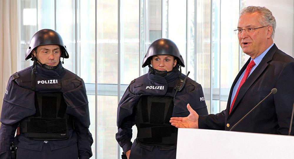 La présentation d'un nouvel uniforme pour les policiers en Bavière