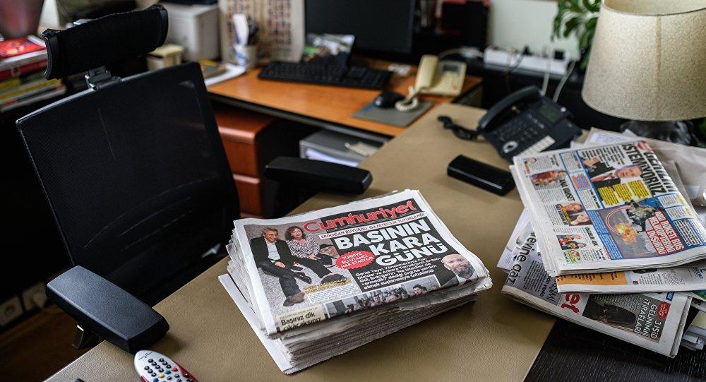 Bureau du rédacteur en chef du journal Cumhuriyet Can Dündar, arrêté le 26 novembre dernier