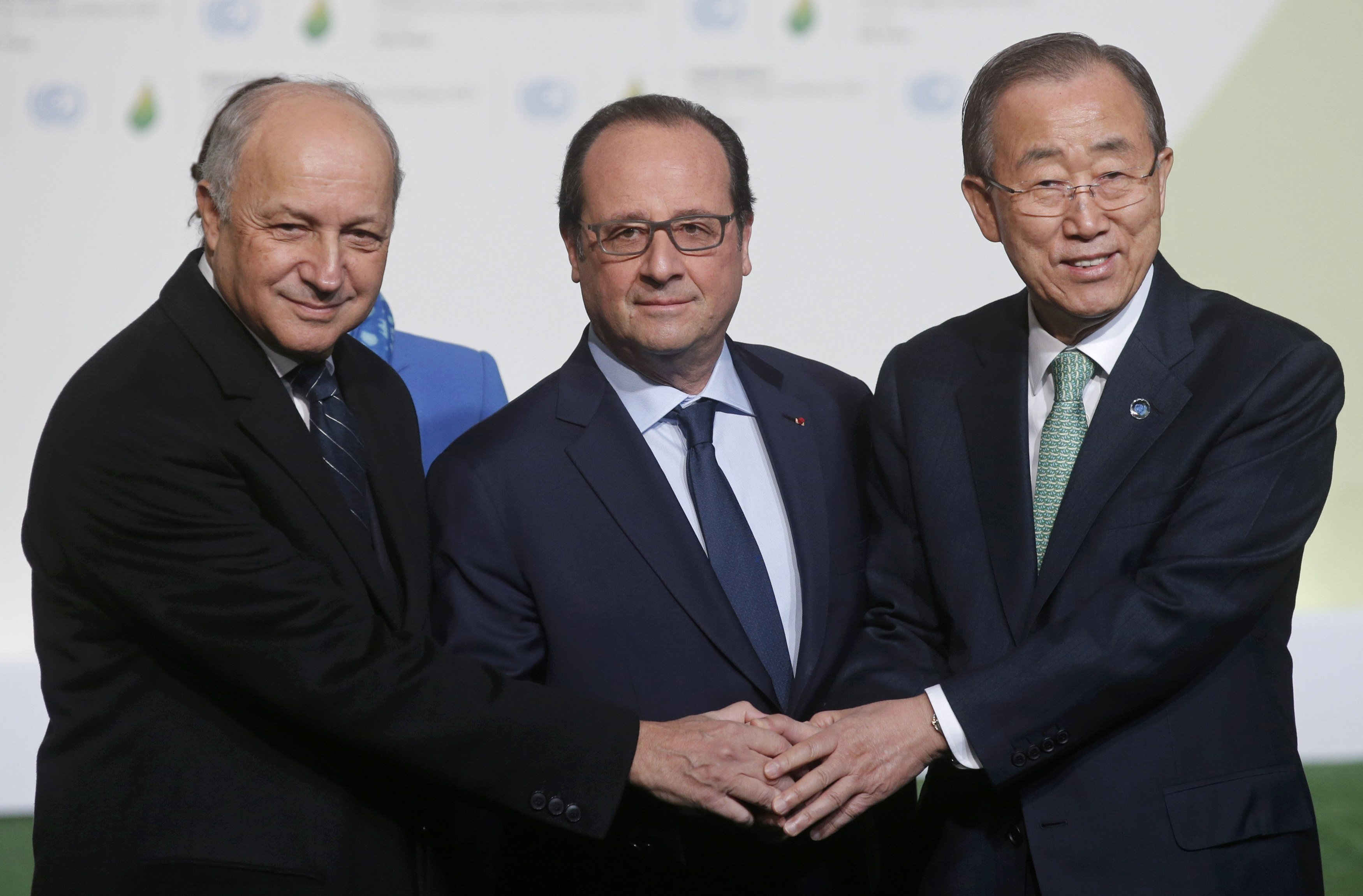 François Hollande et Laurent Fabius et Ban Ki-moon, COP21, Le Bourget, France, Nov. 30, 2015.