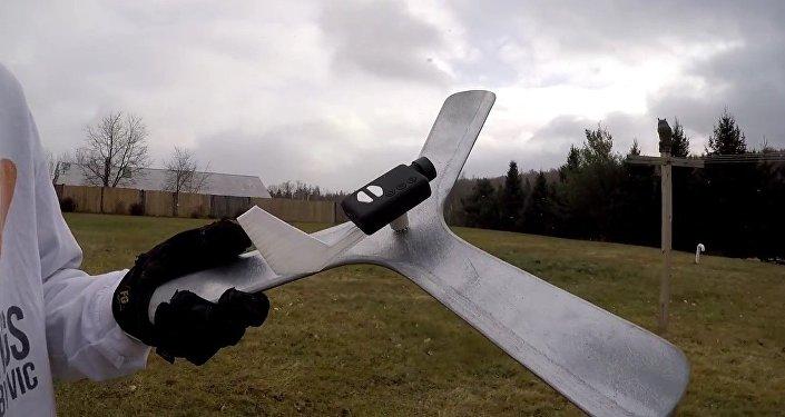 Oubliez les drones. Un Américain a fixé une caméra à son boomerang