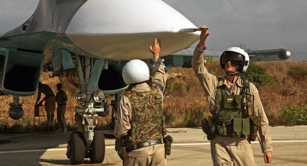 Des avions russes détruisent le dépôt de munitions des jihadistes — Syrie