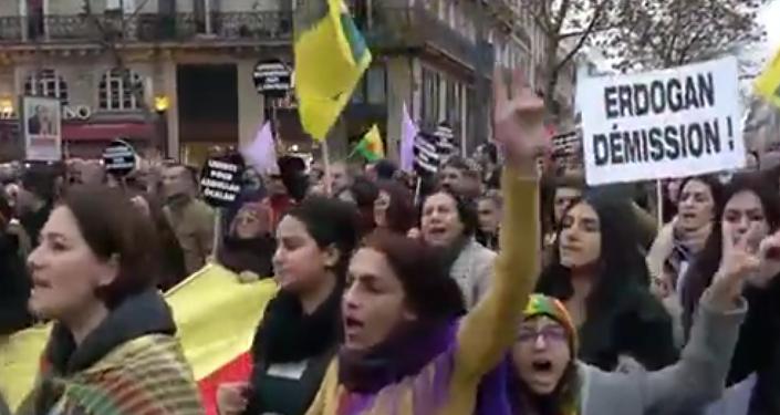 Opération turque contre les Kurdes: manifestation à Paris
