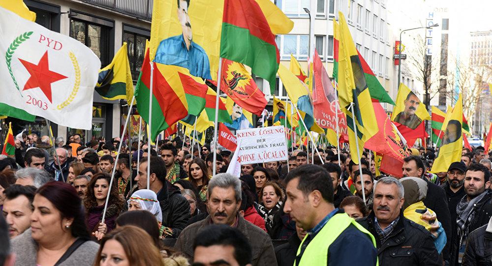 Manifestation des Kurdes à Düsseldorf, décembre 2015
