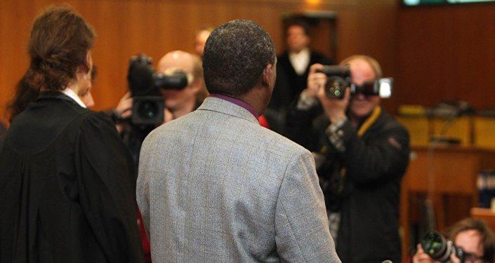 Ancien maire rwandais arrive au tribunal. Archive photo